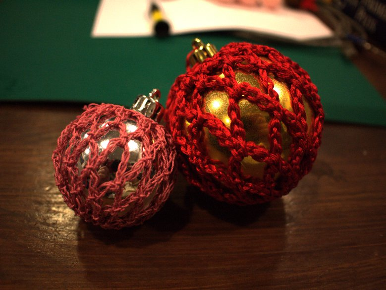 Beautiful baubles to hang on your Christmas tree (or to give to someone to hang on their tree)